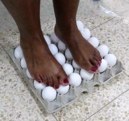 עמידה על ביצים 2